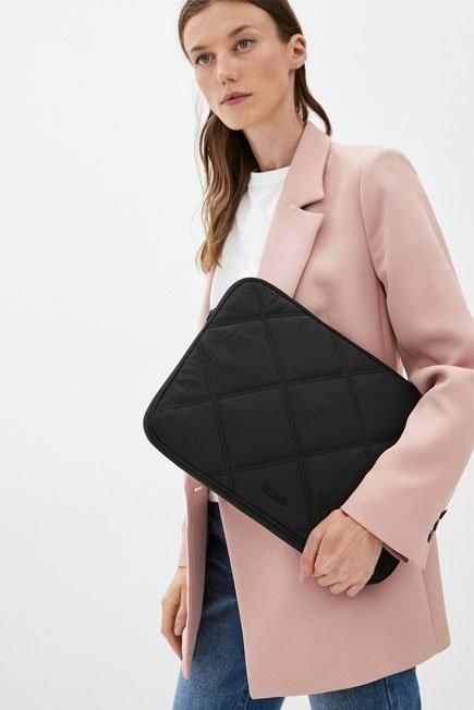 Mango - black Padded laptop case, Women