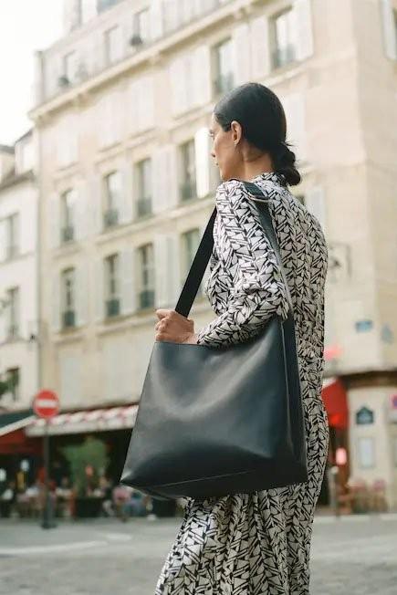 Mango - Black Buckle Cross-Body Bag, Women