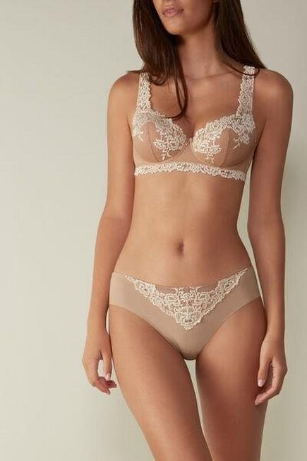 Intimissimi - Soft Beige/Ivory Pretty Flowers Raw-Cut Cotton Briefs, Women