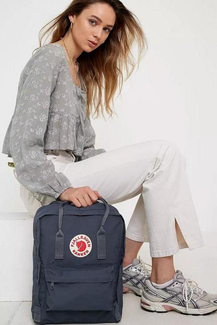 Urban Outfitters - Dark Grey Fjallraven Kanken Classic Graphite Backpack, Women