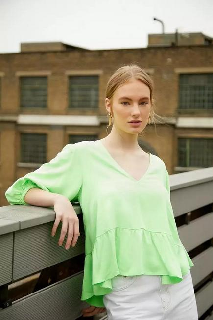 Urban Outfitters - GRN BCC Dye UO Exclusive Green Tie-Back Smock Blouse