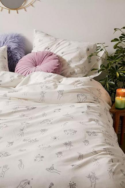 Urban Outfitters - White Cosmic Hands Duvet Cover Set With Reusable Fabric Bag