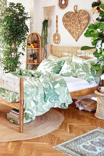 Urban Outfitters - Green Raine Duvet Cover Set With Reusable Fabric Bag