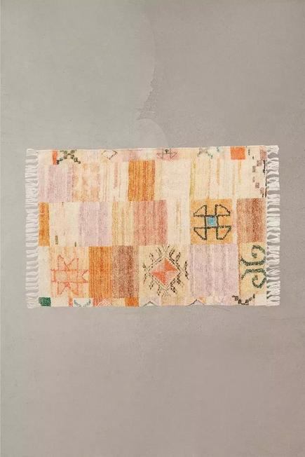 Urban Outfitters - Neutral Cyra Patchwork 2x3 Rug