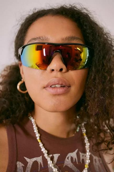 Urban Outfitters - Pink iets frans... Mika Visor Sunglasses, Women
