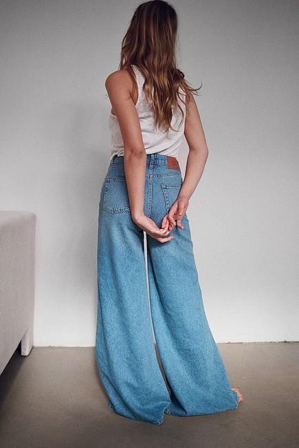 Urban Outfitters - Denim BDG Indigo Skye Extreme Wide-Leg Puddle Jeans, Women