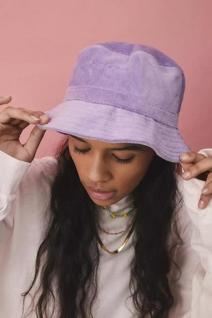 Urban Outfitters - Lilac iets frans... Velour Bucket Hat, Women