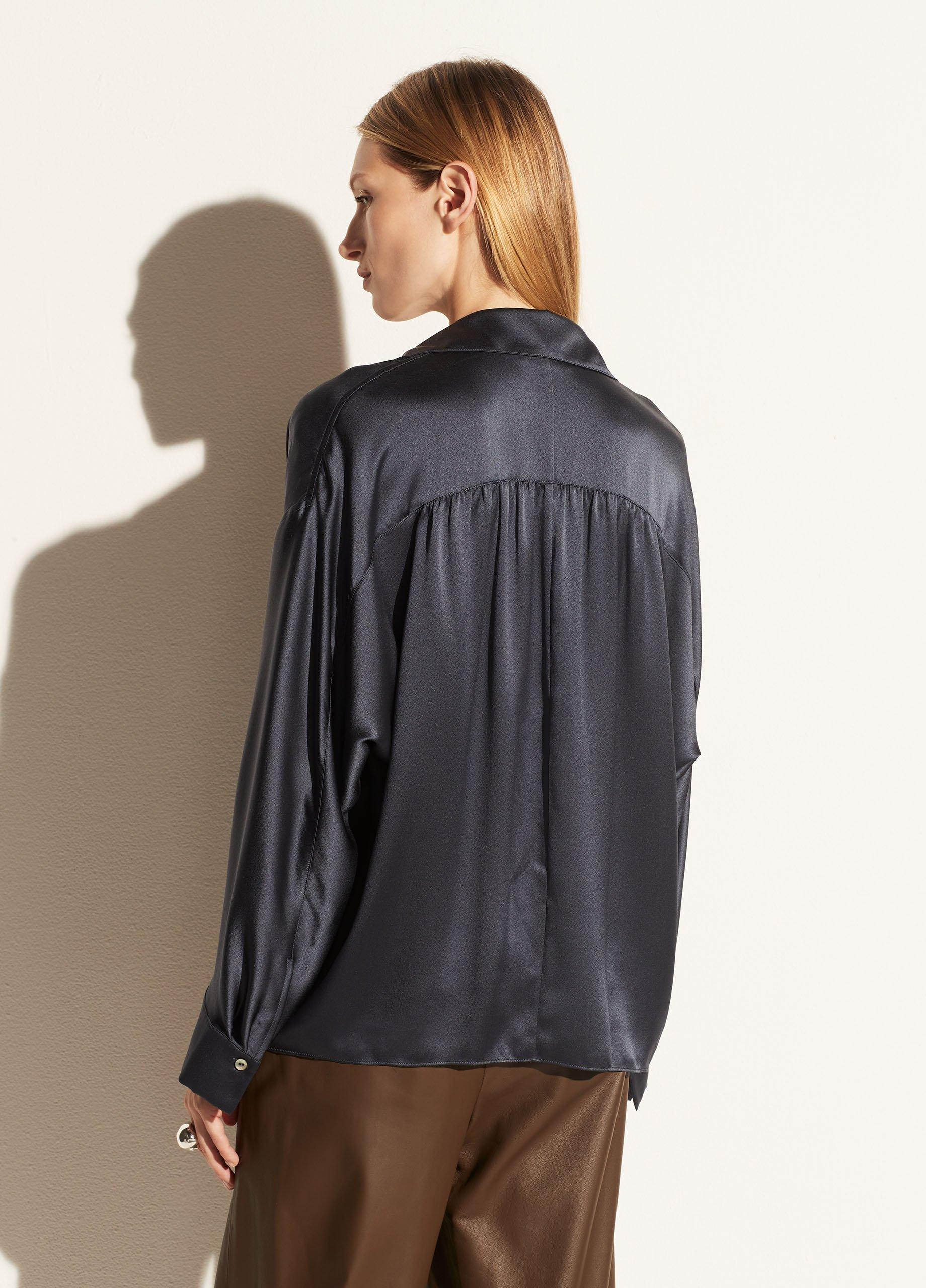 Silk Shaped Collar Pullover